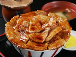 帯広の豚丼.jpg